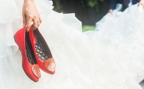 如何选择合适的鞋子 怎么选择合适的鞋子 合适的鞋子怎么选