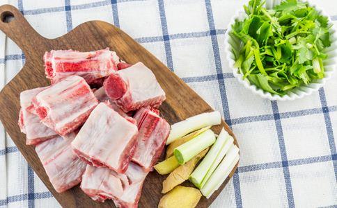 孕期补钙食谱大全 孕妇吃什么补钙 黄豆排骨汤的做法