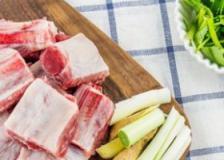 孕期补钙食谱大全,孕妇吃什么补钙,黄豆排骨汤的做法