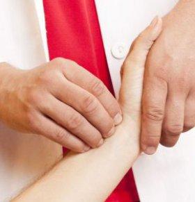 脉象有点乱的原因 为什么脉象会紊乱 脉象紊乱的原因