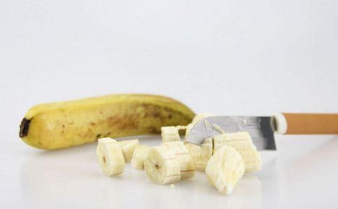 香蕉皮有什么好处 香蕉皮能护肤吗 香蕉皮的好处有哪些