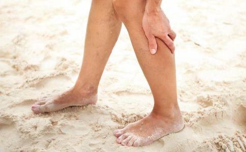 老人脚疼的原因 老人为什么会脚疼 老人如何缓解脚疼