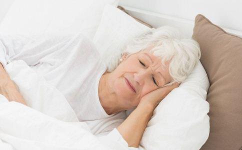 老人睡不好怎么办 老人睡不好如何调理 老人睡不好的原因