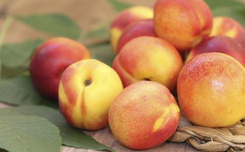 油桃一天吃几个好 油桃吃多了会怎样 油桃吃多了会上火吗