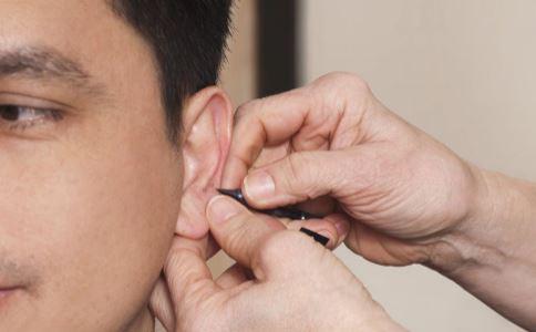 什么是先天性耳前瘘管 先天性耳前瘘管是怎么引起的 先天性耳前瘘管怎么治疗