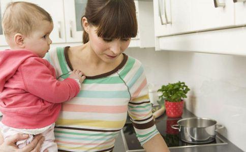 什么是妈妈手 产后如何预防妈妈手 手部腱鞘炎的原因