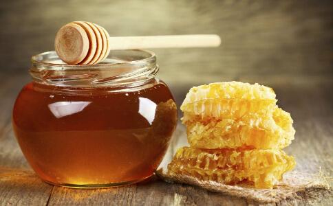 什么时候喝蜂蜜才能减肥 喝蜂蜜水减肥的方法有哪些 怎么喝蜂蜜可以减肥