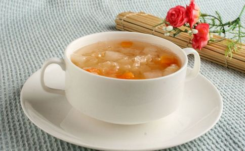 红豆银耳莲子汤怎么做 红豆银耳莲子汤的做法 红豆银耳莲子汤