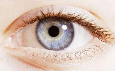 激光笔照射双眼几近失明 影响视力的光源 什么光源影响视力