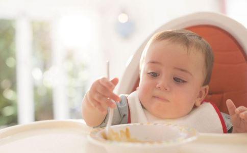 宝宝胃火大的症状 宝宝胃火大怎么办 胃火大吃什么好