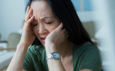 女人更年期失眠怎么办 女人更年期失眠怎么缓解 哪些方法可以助眠
