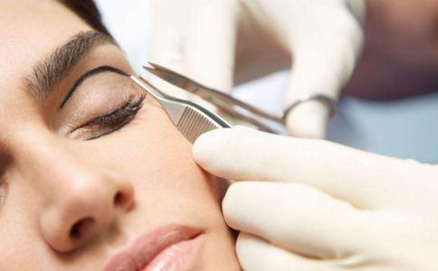 怀孕能割双眼皮吗 孕期为什么不能割双眼皮 哺乳期能割双眼皮吗
