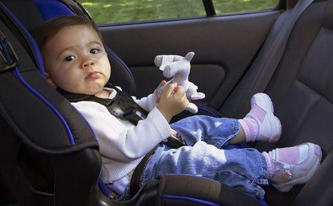 宝宝不坐安全座椅怎么办 宝宝不坐安全座椅怎么回事 儿童安全座椅如何挑选
