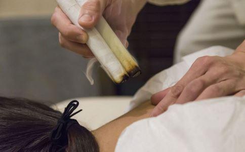 怎么用艾灸 使用艾灸的方法 艾灸的作用