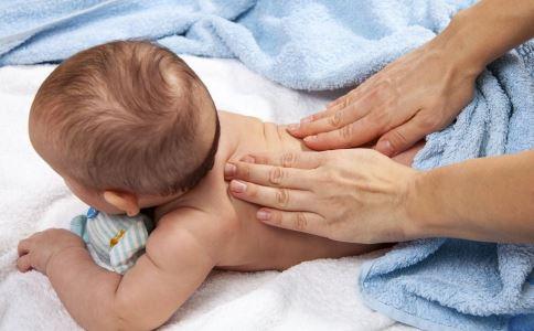 小儿推拿能治疗哪些疾病 小儿推拿注意什么 小儿推拿方法