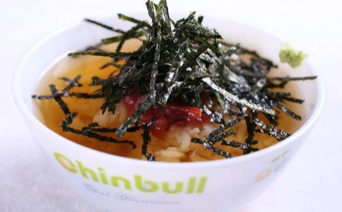 爱吃汤泡饭对胃有害吗 爱吃汤泡饭会患上胃癌吗 吃汤泡饭对胃好不好