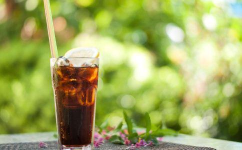 女人夏季喝什么饮料好 夏季喝冷饮要注意什么 女人夏季喝什么饮料适合