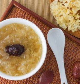 来月经可以喝红枣银耳汤吗 什么是月经热证 什么是月经寒证