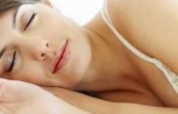 玻尿酸隆鼻后不能侧着睡 你知道