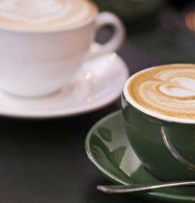 哺乳期能喝咖啡吗 哺乳期喝咖啡的危害 哺乳期喝咖啡好吗