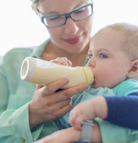 宝宝吐奶怎么回事 宝宝吐奶的原因 宝宝吐奶怎么办