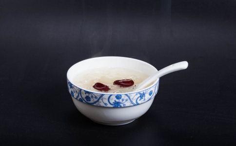 如何做银耳红枣汤 银耳红枣汤怎么做 银耳红枣汤的做法