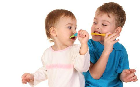 宝宝出牙晚正常吗 宝宝什么时候开始长牙 如何缓解宝宝出牙不适