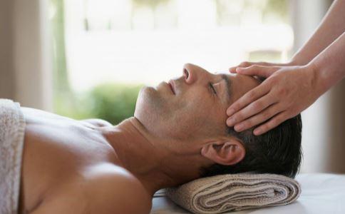 头部按摩有4大技巧 避免损伤效果又好
