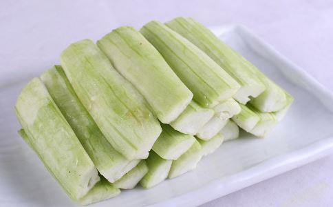 男人吃丝瓜有什么好处 吃丝瓜的好处有哪些 怎么吃丝瓜好