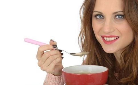 聚餐控制糖的摄入 大吃大喝身材不走样