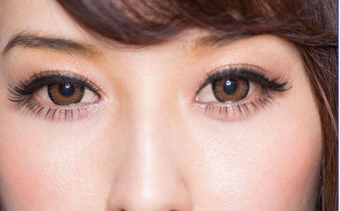 什么时候祛眼袋好 祛眼袋的方法 激光近视术后可以祛眼袋吗