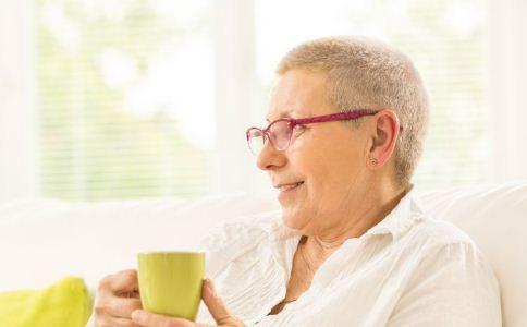 老人脾气暴躁的原因 为什么老人会脾气不好 老人如何控制情绪