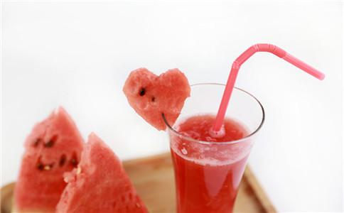 宝宝吃西瓜的建议 宝宝怎么吃西瓜健康 吃西瓜的好处