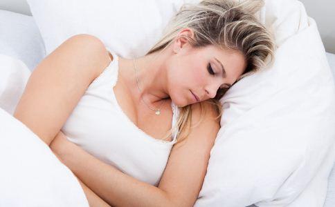 女人经期怕冷是怎么回事 经期受凉的危害有哪些 女人经期该怎么保暖