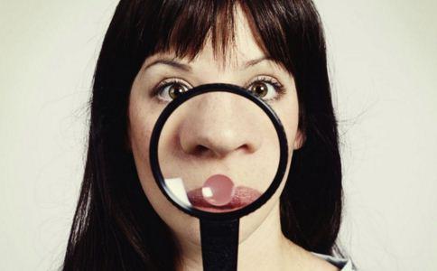 膨体隆鼻会变形吗 什么是膨体隆鼻 膨体隆鼻与假体隆鼻有何区别