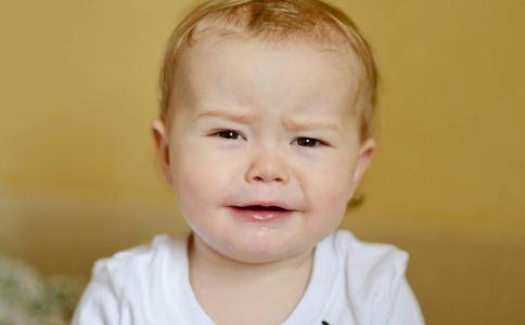 宝宝转奶注意事项 如何给宝宝转奶 宝宝转奶的方法