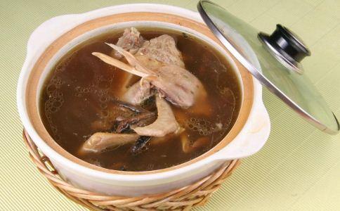 夏季吃鸭肉有什么好处 夏季吃鸭肉的作用 鸭肉怎么吃