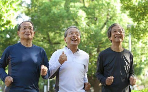 男人更年期的症状 男人更年期有什么症状 男人更年期怎么办