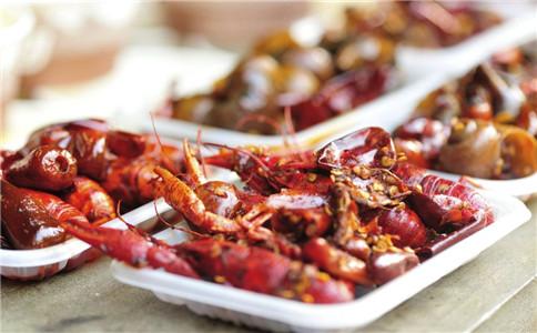 小龙虾要烹饪多久 小龙虾可以短时间烹饪吗 吃小龙虾注意什么