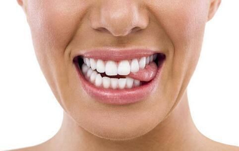 牙齿发黄怎么办 牙齿发黄如何处理 牙齿发黄的处理方法