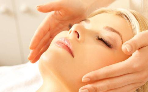 皮肤暗淡怎么办 怎么按摩皮肤 按摩皮肤的好处