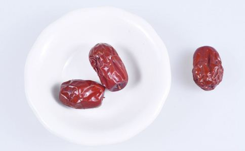 吃红枣的注意事项 吃红枣有什么禁忌 哪些人不能吃红枣
