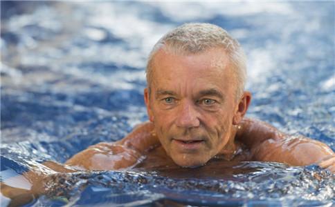 游泳对男性的好处 男性游泳的注意事项 最适合游泳的时间