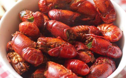 女子吃小龙虾患阑尾炎 吃小龙虾患阑尾炎 小龙虾怎么吃才健康