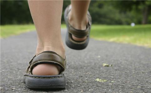 快走减肥的动要领 快走减肥注意事项 快走的好处