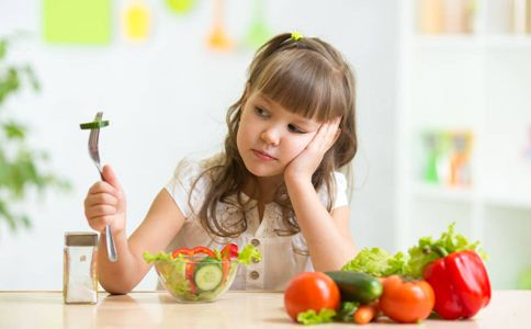 夏季食欲不振怎么办 夏季孩子没胃口怎么办 夏季宝宝胃口差的原因