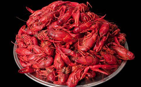 吃多小龙虾体内会长寄生虫 碳酸饮料致肾衰竭 吃小龙虾长寄生虫