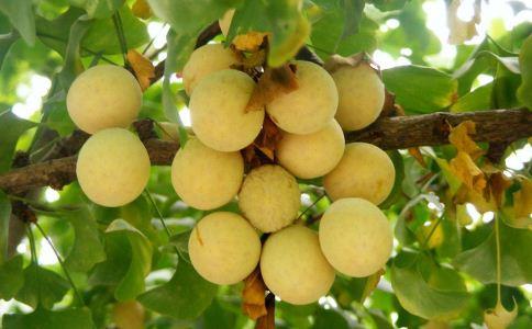 咳嗽吃什么水果好 咳嗽吃哪些水果好 咳嗽吃什么