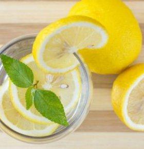 夏季怎么泡柠檬水 夏季泡柠檬水的方法 柠檬水怎么泡