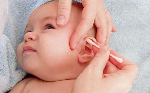 新生儿耳部护理有哪些要点 新生儿耳部护理怎么做 怎样防止水进入宝宝耳朵